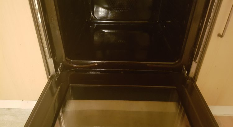 Oven cleaning in Hammersmith,SW6 postcode area